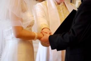 幸せになるプロポーズのタイミングは付き合って1年がベスト!夜よりも昼間や朝にプロポーズしましょう